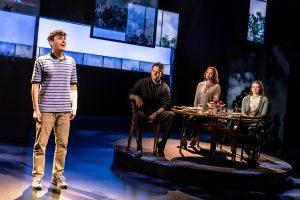 Robert Markus Pemeran Utama Pertunjukan Teater 'Dear Evan Hansen' 2